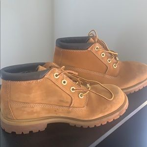 *worn once* Authentic Timberlands, 7.5 Womans